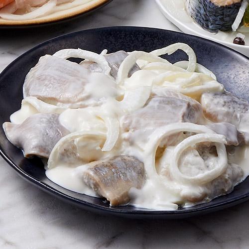 pickled herring in cream sauce by zabar 39 s. Black Bedroom Furniture Sets. Home Design Ideas